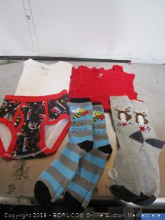 Small Gildan Kids Shirts, Socks & Underwear