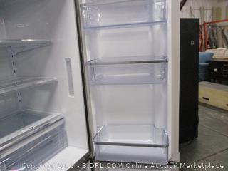 Samsung Refrigerator (Please Preview) (Broken Power Cord) (Dented)