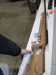 Benjamin Break Barrel Hunting Rifle .25 Caliber