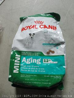 royal canine aging dog food