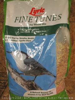 Fine Tunes Bird Food