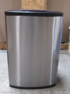 Aluminum trash can