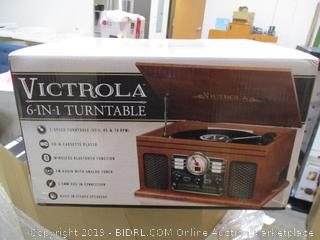 Victrola 6-in-1 Turntable player - powers on