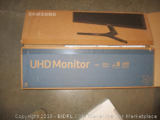 "Samung UHD Monitor 32"" Powers On"