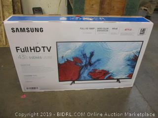 "Samsung Full HD TV 43""  Powers on, Cracked Screen"