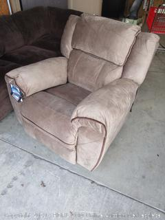 Simmons Genevieve Power Rocker Recliner (retail $699)