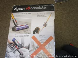 Dyson v8 Absolute (Powers On)