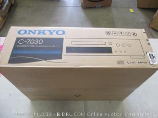 ONKYO CD PLAYER (POWERS ON)