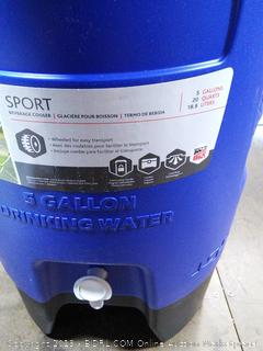 5 Gallon Cooler (broken latch and spout)