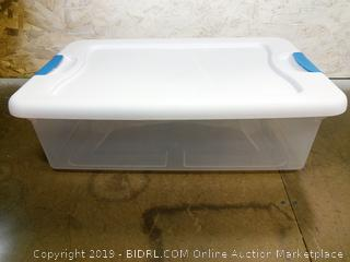 Sterilite Latching Box dent/scratch in lid