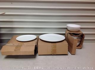 AmazonBasic 18 Piece Dinnerware Set