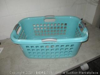 sterilite laundry basket - damaged