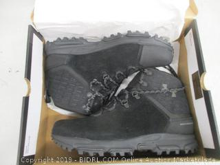 Under Armour Boots - 9