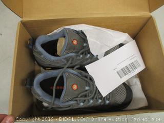 Tennis Shoes - 7