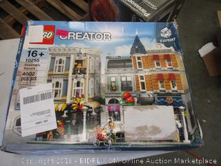 LEGO CREATOR ASSEMBLY SQUARE