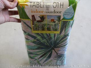 INDOOR/OUTDOOR TABLECLOTH