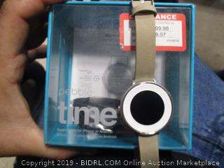 PEBBLE TIME SMARTWATCH (POWERS ON)