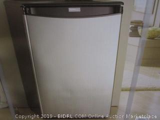 Danby DAR044A5BSLDD Compact Refrigerator, Spotless Steel Door, 4.4 Cubic Feet (Retail $203.00)