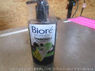 Biore Charcoal Cleaner