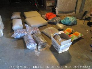 Mixed lot of Cushions, cushion covers and Decorative Rocks