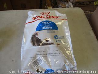 ROYAL CANIN INDOOR CAT FOOD