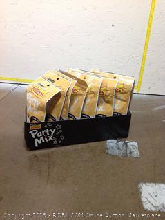 Friskies Cat Treats Party Mix