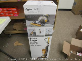 Dyson Ball multifloor 2  Powers on