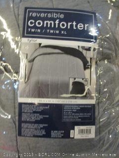 Twin/Twin XL Reversible Comforter