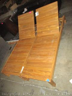 2 Outdoor Lounge Chairs Damage See Pictures