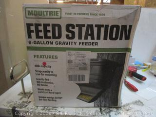 Feed Station 5 Gallon Gravity Feeder