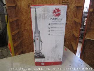 HOOVER FLOORMATE DELUXE HARD FLOOR CLEANER (POWERS ON)