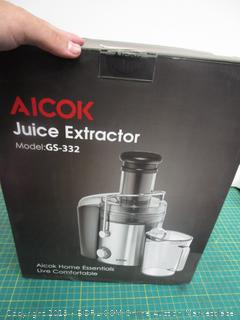 AICOK Juice Extractor Powers On