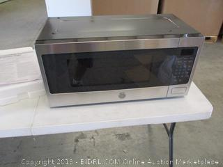 GE Microwave Oven (Does Not Power On)