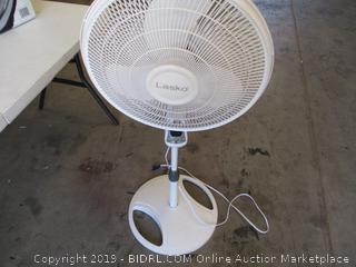 Lasko Fan with Remote Control. ( Powers on)
