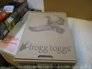 Frogg Toggs Men's Regular Size 13