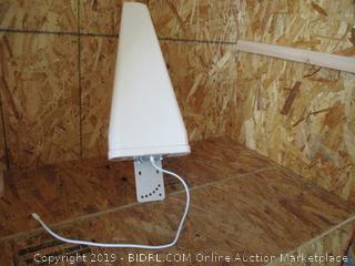 Yagi Antenna With Radome