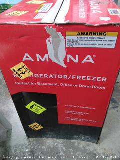 Amana AMAR31TBKE 3.1 cu ft Freezer Refrigerator, Black New (online $239) Underneath dented. See photo