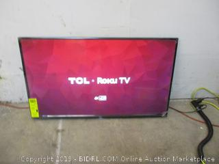 """TCL Roku TV 4K HDR 43"""" Powers on, in box see pictures"""