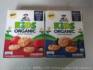 Quaker kids organic whole-grain bites strawberry and blueberry