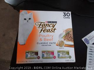 Fancy Feast poultry and beef variety pack 30 cans