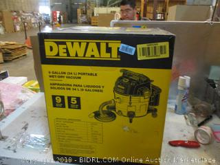 DeWalt Portable Wet/Dry Vacuum