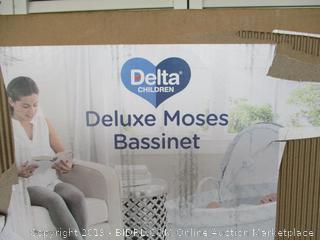 Delta Children Deluxe Moses Bassinet