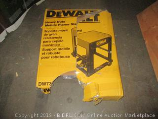 DeWalt Heavy Duty Mobile Planer Stand - Possibly Missing Parts