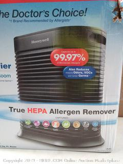 Honeywell air purifier extra large room(Factory Sealed) COME PREVIEW!!!! (online $189)