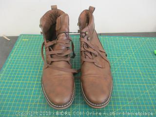 Boots - Sz 10