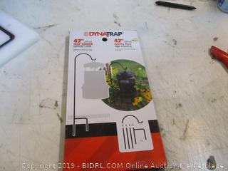 Dyna trap  Trap Hanger