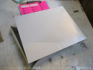 White Alligator 2 pc Pop up Boxes See Pictures