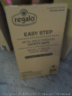 regalo easy step metal walk-through safety gate