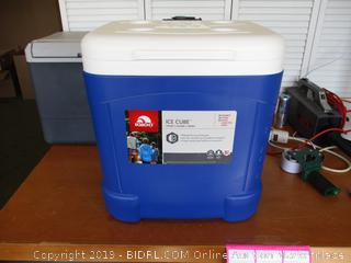 Igloo Ice Cube Roller Cooler 60-Quart