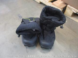 Neos Boots Men 9.5-11 womens 11-12.5 in box